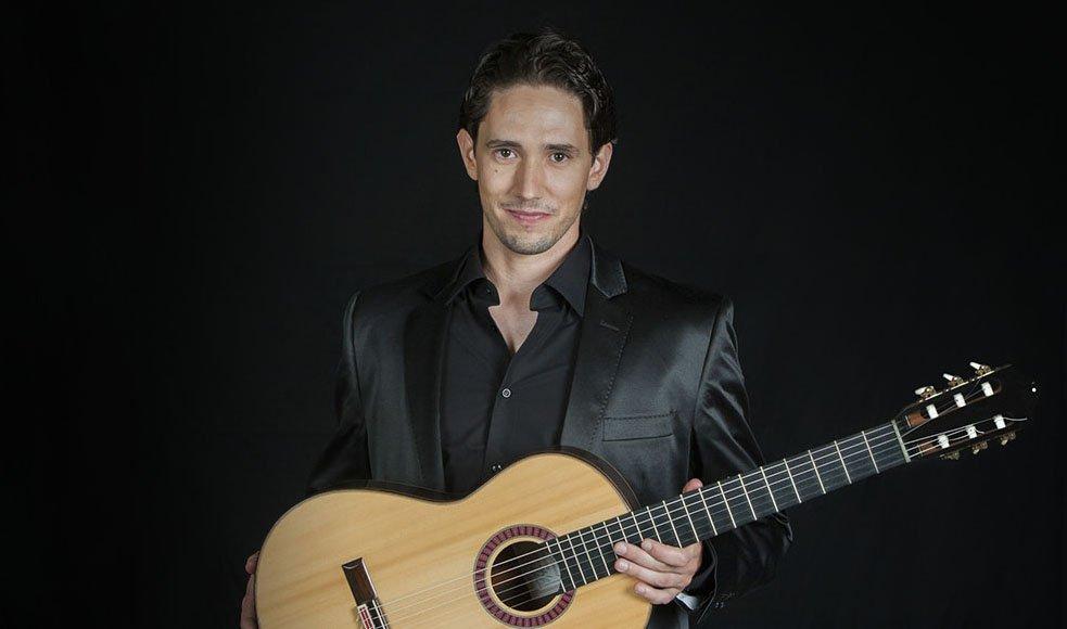 Pablo Romero Luis - guitarrista. Guitarra clásica con elementos del flamenco, del jazz y de la música popular.
